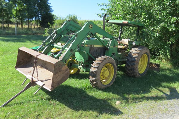 John Deere Tractor sold at Green Valley Auctions